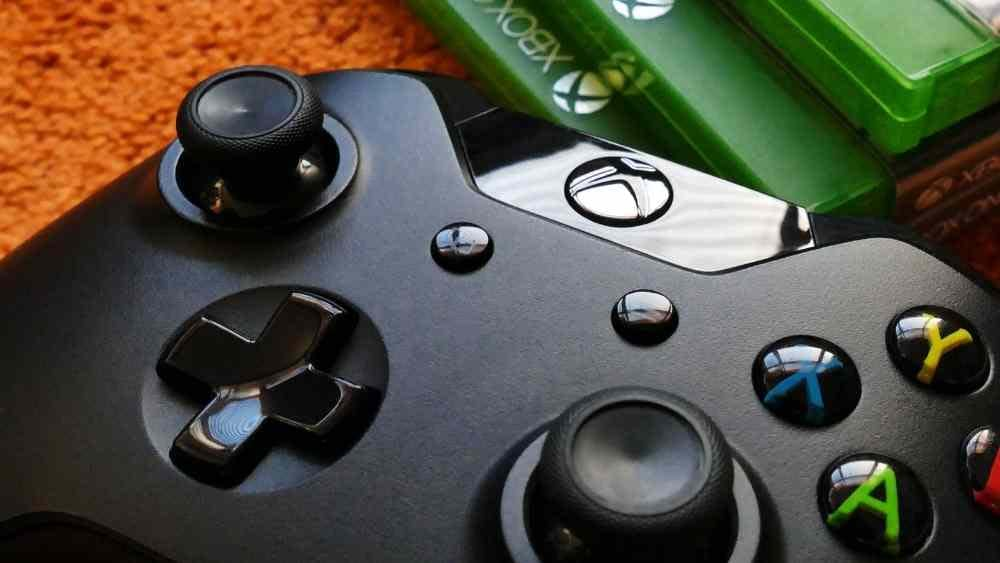 picture of a Xbox gaming console